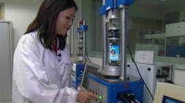 Linda Yueh starts mobile twisting machine