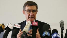 Chief Coordinator of the Joint Agency Coordination Centre (JACC), former Air Chief Marshal Angus Houston, speaks at a news conference about the latest information on the search for Malaysia Airlines flight MH370, in Perth, 1 April 2014