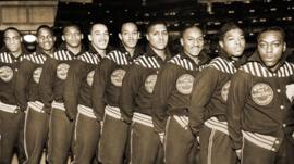 Basketball team in the 'black fives' era