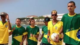 Tiago Mendes, a Neymar lookalike, sings on the beach with his friends