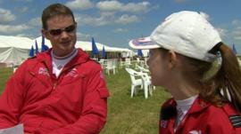 Tahnee Johnson talking to Sqd Ldr Jim Turner of the Red Arrows
