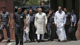 Indian Prime Minister Narendra Modi (centre)