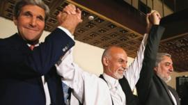 John Kerry, Ashraf Ghani, Abdullah Abdullah (l-r)
