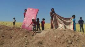 Women and children in Sinjar mountains