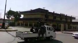 IS forces entering Tikrit in June