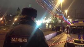 Moscow policeman at scene of shooting of opposition politician Boris Nemtsov