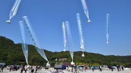 Balloons carrying material to North Korea