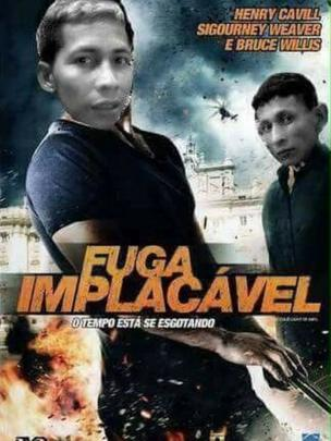 A film poster for Fuga Implacaval with the heads of the starts replaced by pictures of Brayan Bremer and a fellow fugitive.