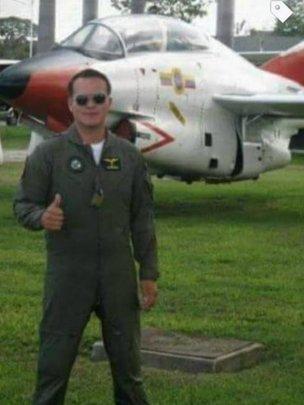 Antes de comprar a companhia aérea, Micky foi piloto da força aérea boliviana