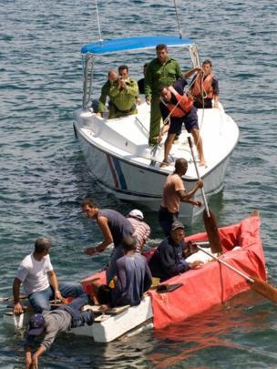 balseros detenidos en aguas cubanas
