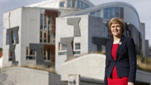 'Nicola Sturgeon' from the web at 'http://ichef.bbci.co.uk/news/304/cpsprodpb/177A9/production/_86496169_78940892.jpg'