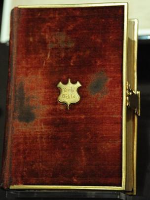 La Biblia que utilizó Abraham Lincoln para juramentarse como presidente de Estados Unidos hace 156 años.