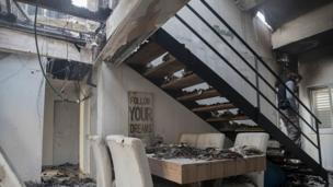 Hayfa'da yanan bir ev