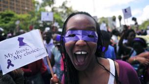 Kadın protestocu