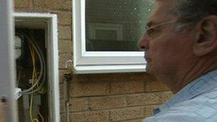 Image caption Ron Manuel was mislead by an energy firm - _48957489_48957493