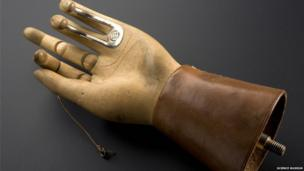 Hand with drawstring mechanism. Credit: Science Museum, Brought to Life exhibit