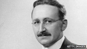 Friedrich Hayek - _63083501_hayek_getty