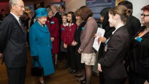 School Reporters Laki and Emily meet the Queen at Royal Commonwealth Society