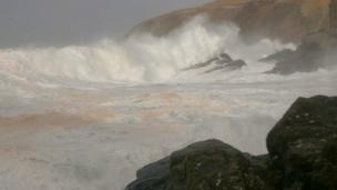 Waves at Stoer Head