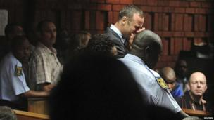Oscar Pistorius breaks down in tears in court (15 Feb 2013)