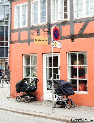 Prams outside a cafe