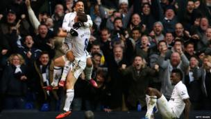 Aaron Lennon celebrating his goal against Arsenal