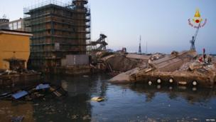 Collapsed control tower of Genoa's port (8 May 2013)