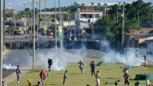 Clashes in Fortaleza, north-eastern Brazil (20 June)