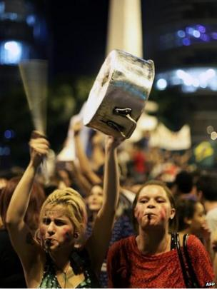 Women at a demonstration in Belo Horizonte (19 June)