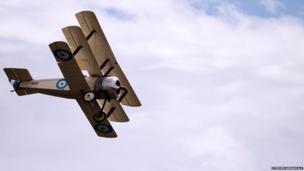 Tri-plane in flight