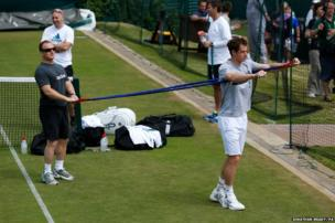 Andy Murray stretches