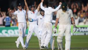 England cricketers celebrate after winning the second test of the Ashes