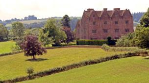 Treowen mansion