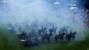 King's Troop firing cannons