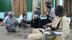 Artists rehearsing. Photo taken by Manuel Toledo, BBC Africa