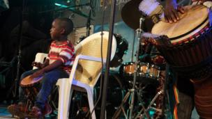 Young boy playing at the Maison des Jeunes. Photo taken by Manuel Toledo, BBC Africa