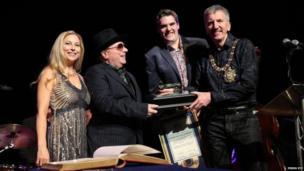 Van Morrison receives award