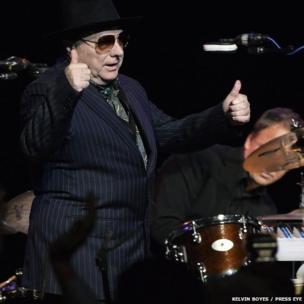 Van Morrison thumbs up