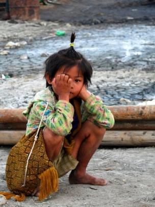 A child near the oilfield