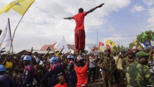 Acrobats in Goma, DR Congo - Saturday 30 November 2013