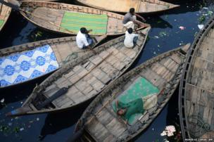 Bangladeshi boatmen during a blockade