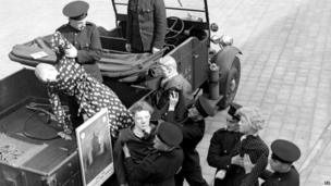 Auxillary Fire Service demonstration at Southwark Headquarters in 1938