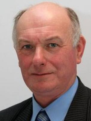 Barry Thomas is a former Powys Council chairman - _72202466_barrythomas