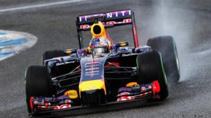 Sebastian Vettel of Germany and Infiniti Red Bull Racing drives during day two of Formula 1 winter testing at the Circuito de Jerez