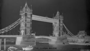 Christina Broom, Tower Bridge, c.1910 (glass negative)