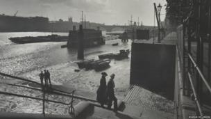 George Davison Reid, Looking southwest from Lower Custom House Stairs, 1930 (photograph)