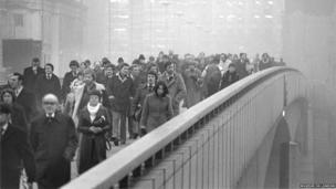 Barry Lewis, Rush Hour from the South Side of London Bridge, 1978 (photograph)