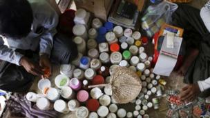A makeshift pharmacy at the Thae Chaung camp for internally displaced people in Sittwe, Rakhine state (April 2014)