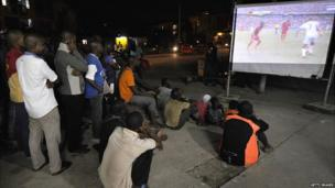 Ivorians watch Ghana's 2-2 draw with Germany in Abidjan