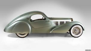 Bugatti Type 57S Compétition Coupé Aerolithe recreation, 1935. Designed by Jean Bugatti and Joseph Walter; made by The Guild of Automotive Restorers. Courtesy of Christopher Ohrstrom